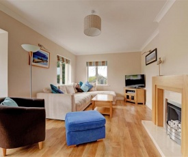 Luxury Holiday Home in Saundersfoot with Fireplace